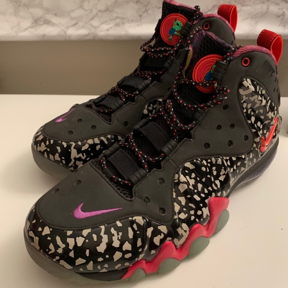 7741fc2be56 Nike Barkley Posite Max All-Star Rayguns Sneakers. Nike.  M 5cadd080d948a163ff85585e. M 5cadd081afade84032be0b8a.  M 5cadd083c953d8d6360ee7c2